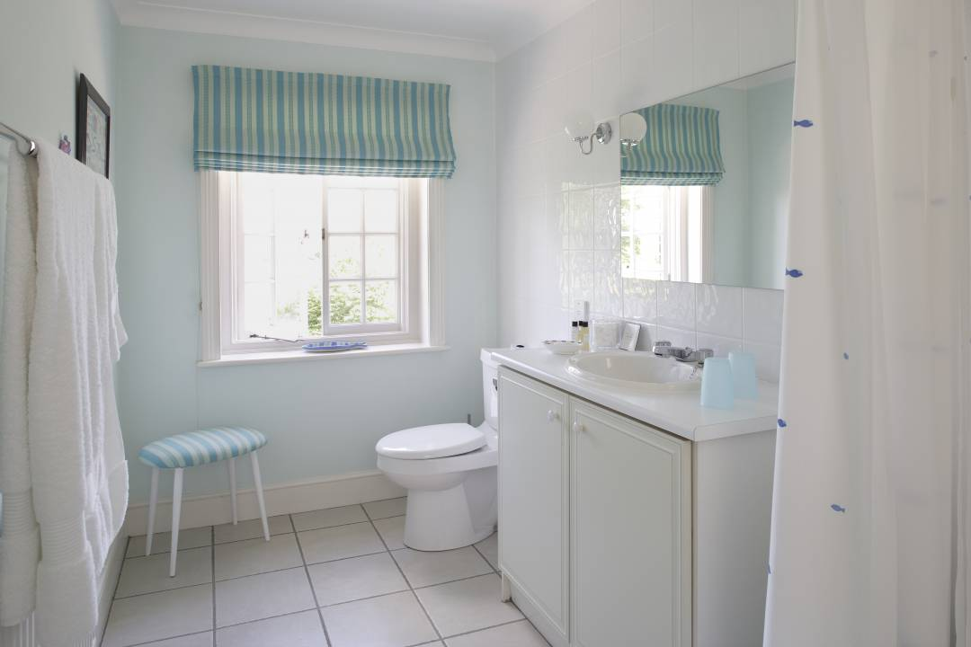Bed and breakfast for Duck egg blue bathroom ideas